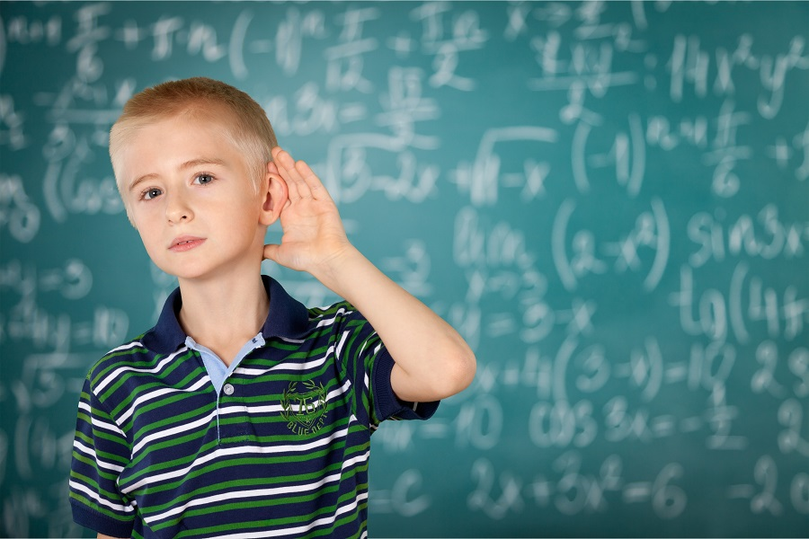 Listening children that has problems with language delay